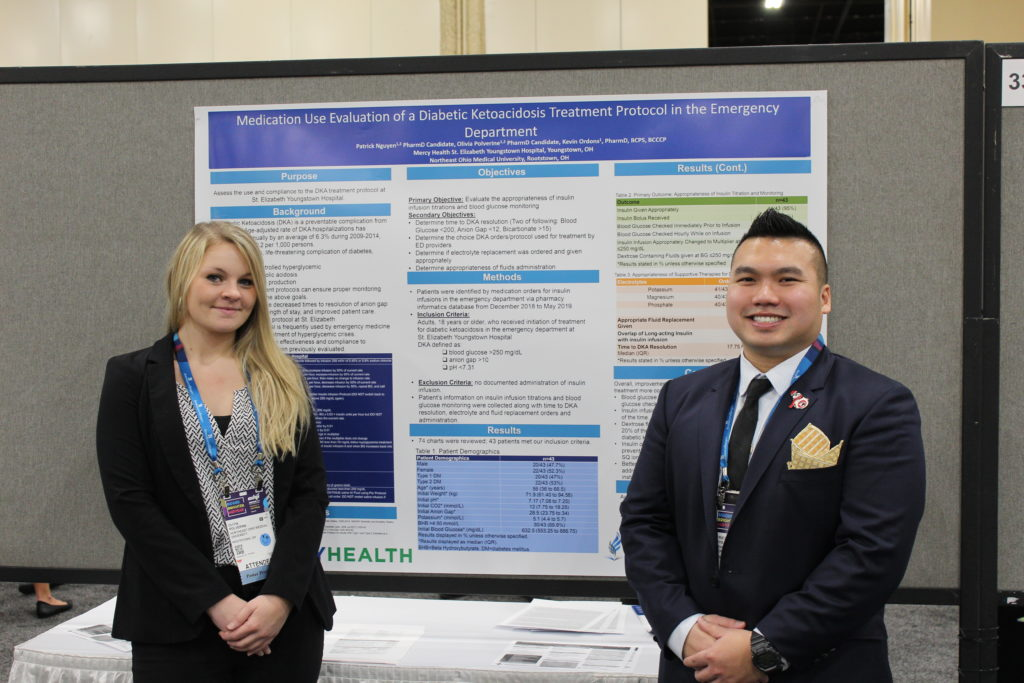 Pharmacy Students Presenting Posters at ASHP Midyear